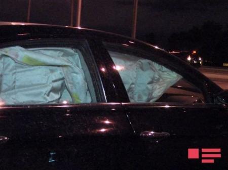 Bakıda qəza: qadın sürücü maşın aşırdı