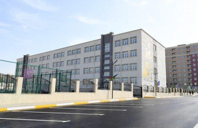 """Prezident İlham Əliyev """"Qobu Park-3"""" yaşayış kompleksinin açılışında iştirak edib"""