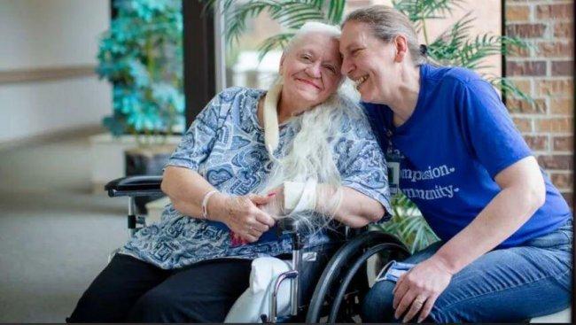 ABŞ-da iki bacı 50 il sonra koronavirus sayəsində bir-birlərini tapdı