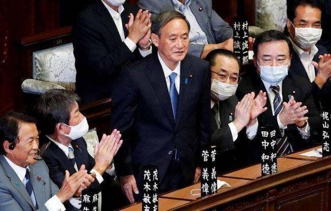 Yoşihide Suga Yaponiyanın Baş naziri seçilib